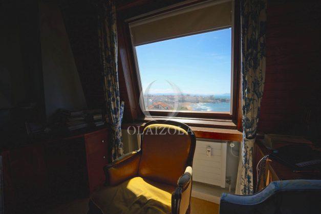 location-vacances-biarritz-appartement-vue-mer-dernier-etage-regina-miramar-parking-035