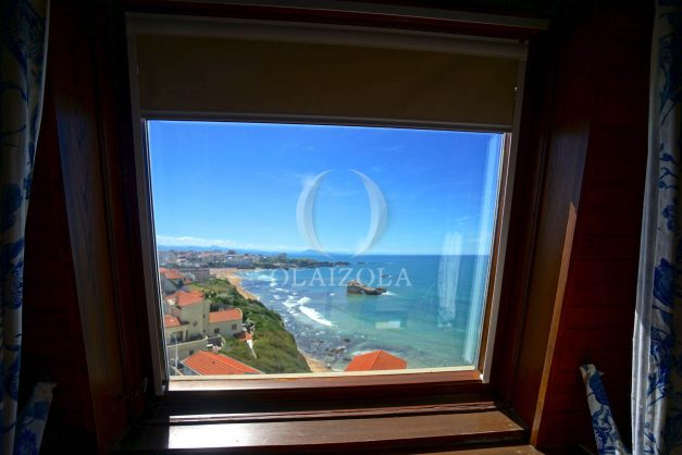 location-vacances-biarritz-appartement-vue-mer-dernier-etage-regina-miramar-parking-036