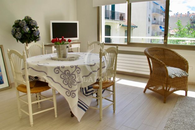 location-vacances-saint-jean-de-luz-appartement-standing-centre-ville-bord-de-mer-parking-plage-a-pied-003