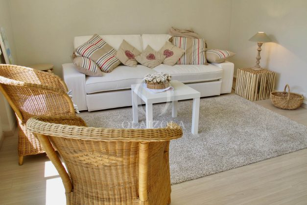 location-vacances-saint-jean-de-luz-appartement-standing-centre-ville-bord-de-mer-parking-plage-a-pied-007