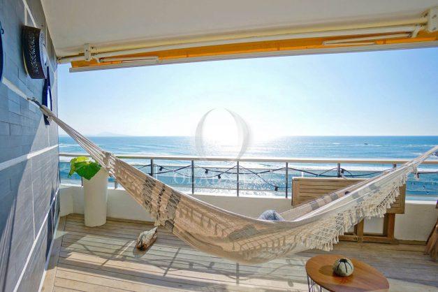 vacances-location-biarritz-sunset-T1-terrasse-vue-mer-plage-cote-des-basques-plage-a-pied-009