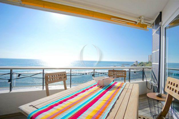 vacances-location-biarritz-sunset-T1-terrasse-vue-mer-plage-cote-des-basques-plage-a-pied-012