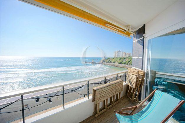 vacances-location-biarritz-sunset-T1-terrasse-vue-mer-plage-cote-des-basques-plage-a-pied-013