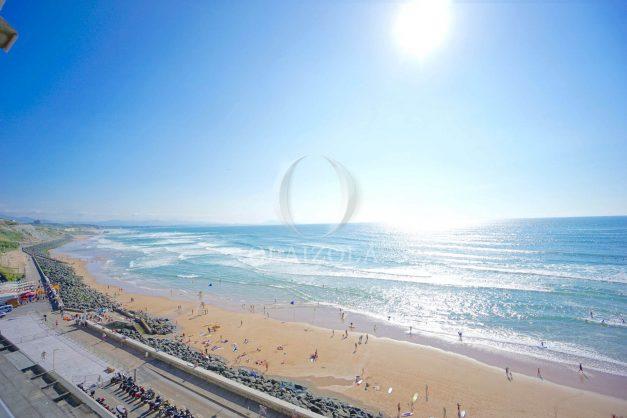 vacances-location-biarritz-sunset-T1-terrasse-vue-mer-plage-cote-des-basques-plage-a-pied-017