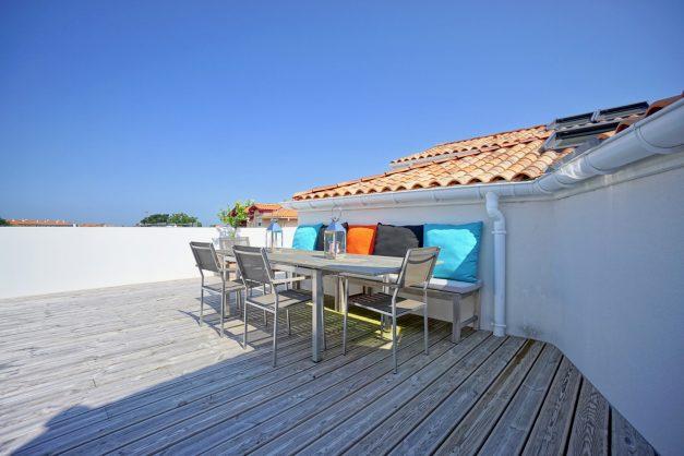 location-vacances-anglet-appartement-standing-centre-ville-plages-5 cantons-parkings-terrasses-commerces-a-proximite-les-halles-002