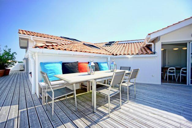 location-vacances-anglet-appartement-standing-centre-ville-plages-5 cantons-parkings-terrasses-commerces-a-proximite-les-halles-004