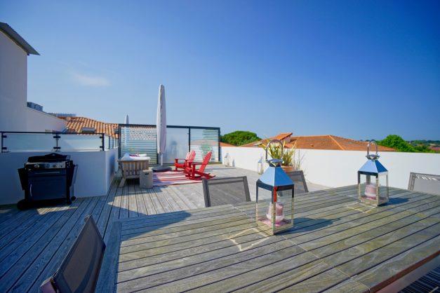 location-vacances-anglet-appartement-standing-centre-ville-plages-5 cantons-parkings-terrasses-commerces-a-proximite-les-halles-007