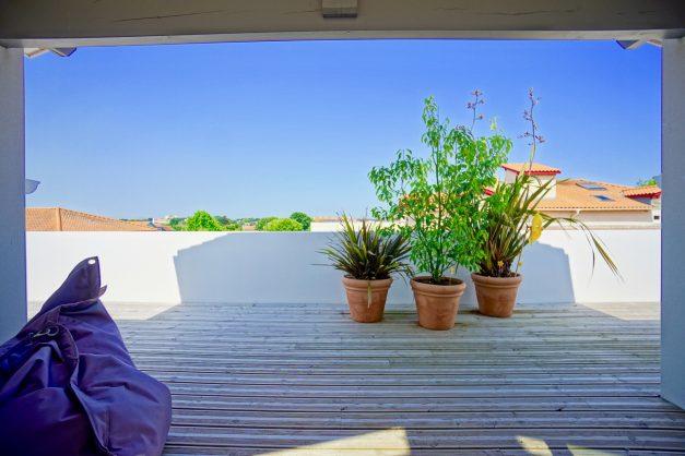 location-vacances-anglet-appartement-standing-centre-ville-plages-5 cantons-parkings-terrasses-commerces-a-proximite-les-halles-015