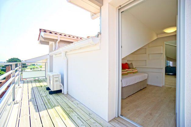 location-vacances-anglet-appartement-standing-centre-ville-plages-5 cantons-parkings-terrasses-commerces-a-proximite-les-halles-017