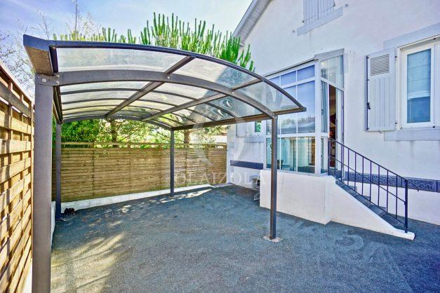 location-vacances-anglet-jaccuzi-sauna-plage-bayonne-parking-couvert-terrasse-couverte-proche-commerce-parfait003