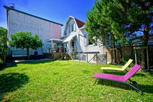 location-vacances-anglet-jaccuzi-sauna-plage-bayonne-parking-couvert-terrasse-couverte-proche-commerce-parfait012