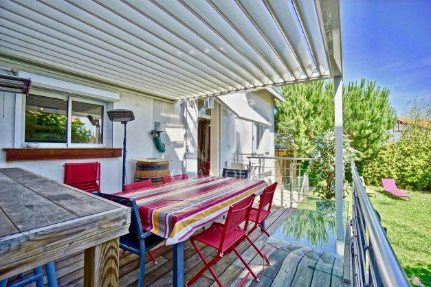 location-vacances-anglet-jaccuzi-sauna-plage-bayonne-parking-couvert-terrasse-couverte-proche-commerce-parfait017