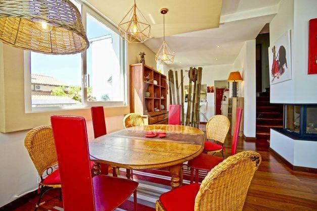 location-vacances-anglet-jaccuzi-sauna-plage-bayonne-parking-couvert-terrasse-couverte-proche-commerce-parfait036