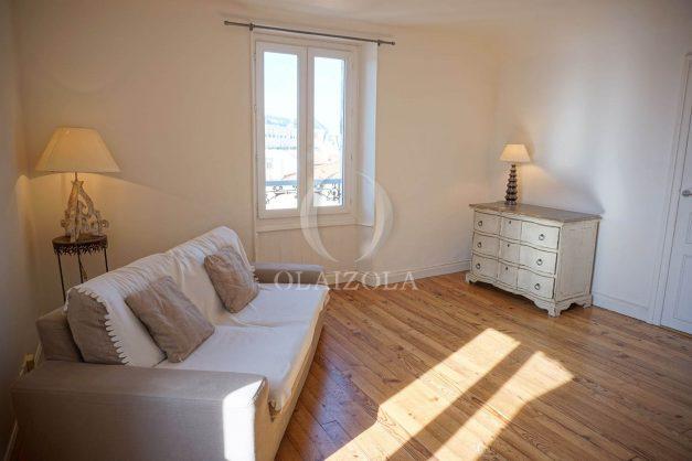 location-vacances-biarritz-appartement-centre-ville-proche-plage-halles-plage-a-pied-002