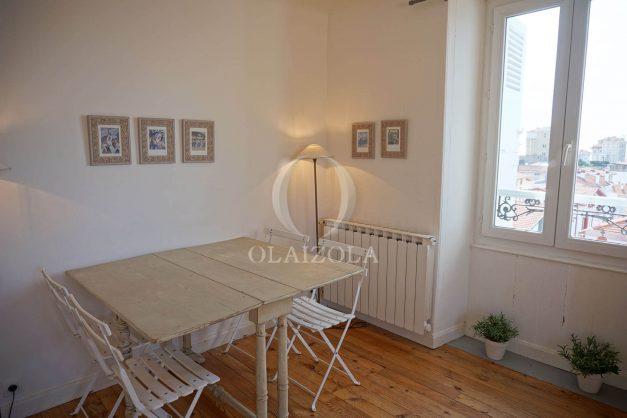 location-vacances-biarritz-appartement-centre-ville-proche-plage-halles-plage-a-pied-005