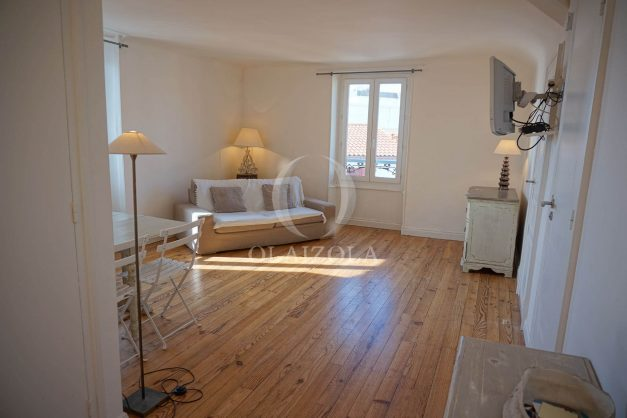 location-vacances-biarritz-appartement-centre-ville-proche-plage-halles-plage-a-pied-006