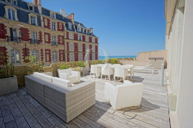 location-vacances-biarritz-appartement-centre-ville-terrasse-grand-plage-a-pied-001