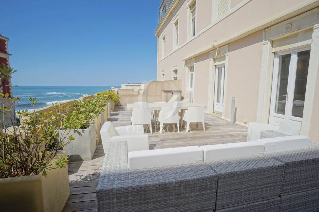 location-vacances-biarritz-appartement-centre-ville-terrasse-grand-plage-a-pied-002