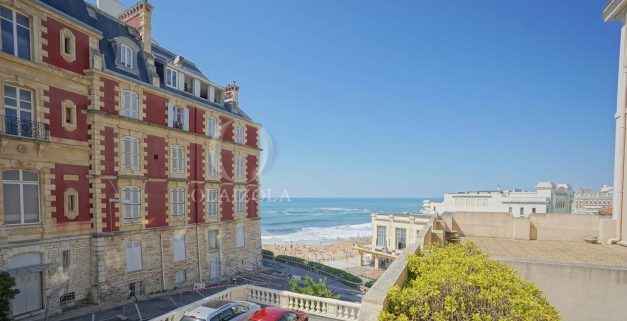 location-vacances-biarritz-appartement-centre-ville-terrasse-grand-plage-a-pied-004
