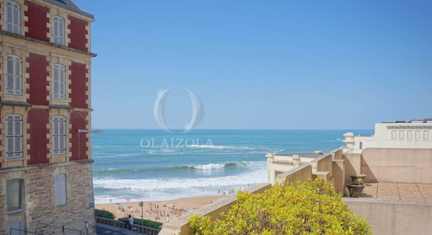 location-vacances-biarritz-appartement-centre-ville-terrasse-grand-plage-a-pied-005