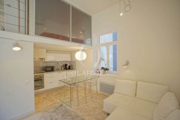 location-vacances-biarritz-appartement-centre-ville-terrasse-grand-plage-a-pied-010