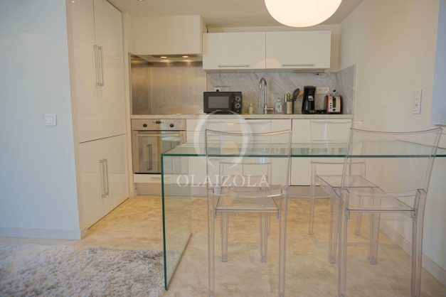 location-vacances-biarritz-appartement-centre-ville-terrasse-grand-plage-a-pied-012