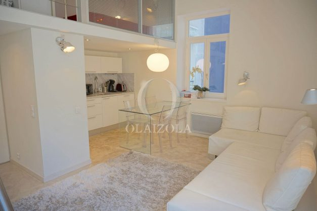 location-vacances-biarritz-appartement-centre-ville-terrasse-grand-plage-a-pied-016