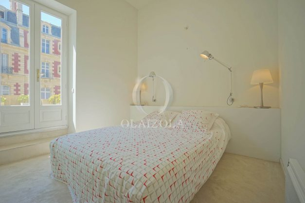 location-vacances-biarritz-appartement-centre-ville-terrasse-grand-plage-a-pied-017