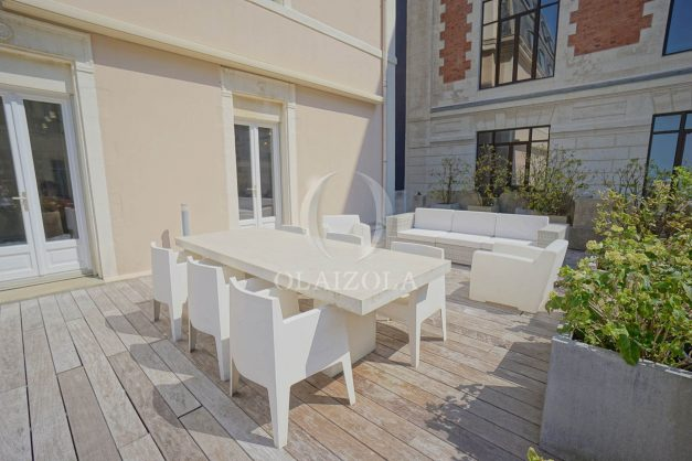 location-vacances-biarritz-appartement-centre-ville-terrasse-grand-plage-a-pied-024