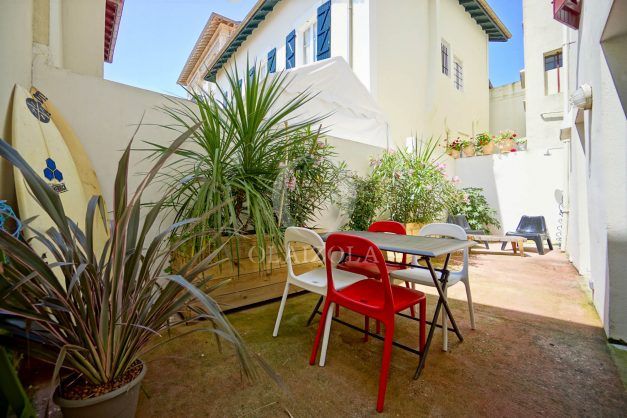 location-vacances-biarritz-appartement-terrasse-plateau-atalaye-port-vieux-refait-a-neuf-coeur-de-ville-plage-a-pied-atalaye-001