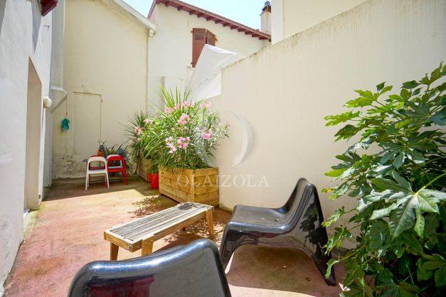 location-vacances-biarritz-appartement-terrasse-plateau-atalaye-port-vieux-refait-a-neuf-coeur-de-ville-plage-a-pied-atalaye-003