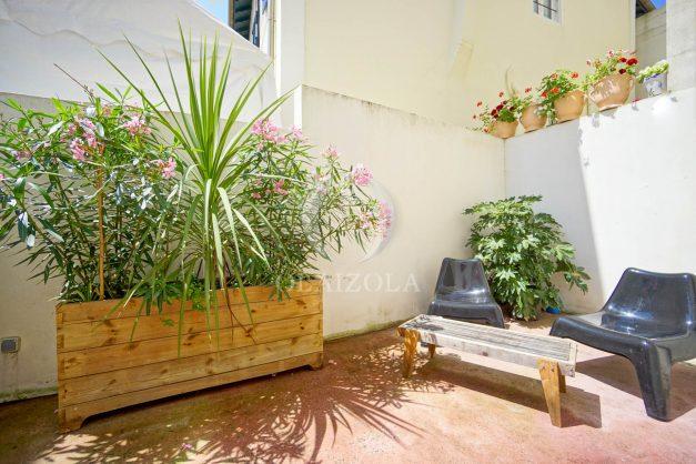 location-vacances-biarritz-appartement-terrasse-plateau-atalaye-port-vieux-refait-a-neuf-coeur-de-ville-plage-a-pied-atalaye-005