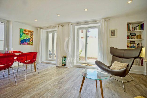location-vacances-biarritz-appartement-terrasse-plateau-atalaye-port-vieux-refait-a-neuf-coeur-de-ville-plage-a-pied-atalaye-011