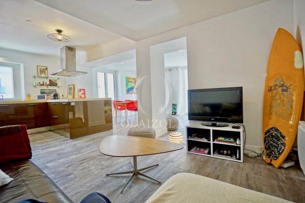 location-vacances-biarritz-appartement-terrasse-plateau-atalaye-port-vieux-refait-a-neuf-coeur-de-ville-plage-a-pied-atalaye-013
