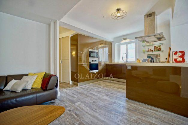 location-vacances-biarritz-appartement-terrasse-plateau-atalaye-port-vieux-refait-a-neuf-coeur-de-ville-plage-a-pied-atalaye-015