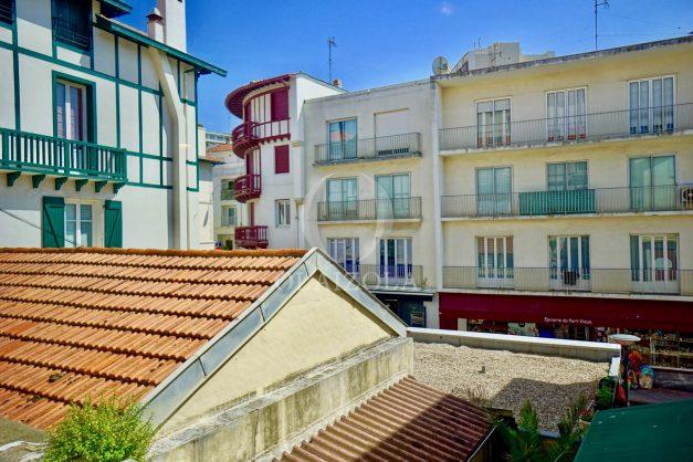 location-vacances-biarritz-appartement-terrasse-plateau-atalaye-port-vieux-refait-a-neuf-coeur-de-ville-plage-a-pied-atalaye-019