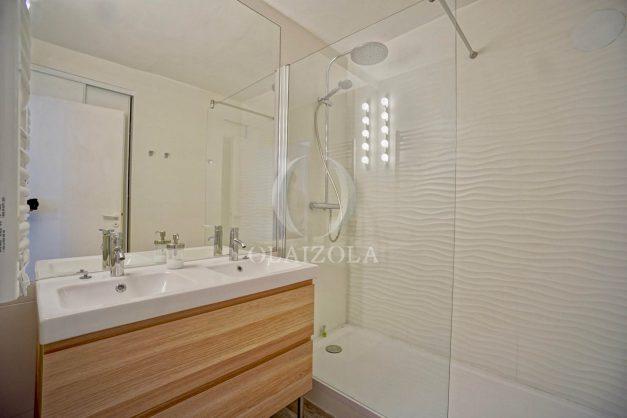 location-vacances-biarritz-appartement-terrasse-plateau-atalaye-port-vieux-refait-a-neuf-coeur-de-ville-plage-a-pied-atalaye-026