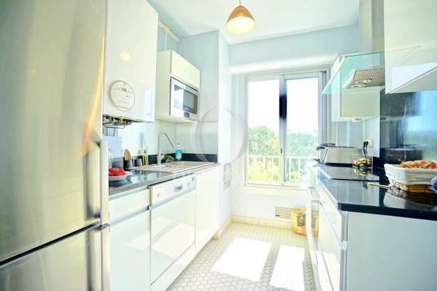 location-vacances-biarritz-appartement-vue-mer-parking-milady-marbella-ilbaritz-terrasse-piscine-plages-a-pied-018