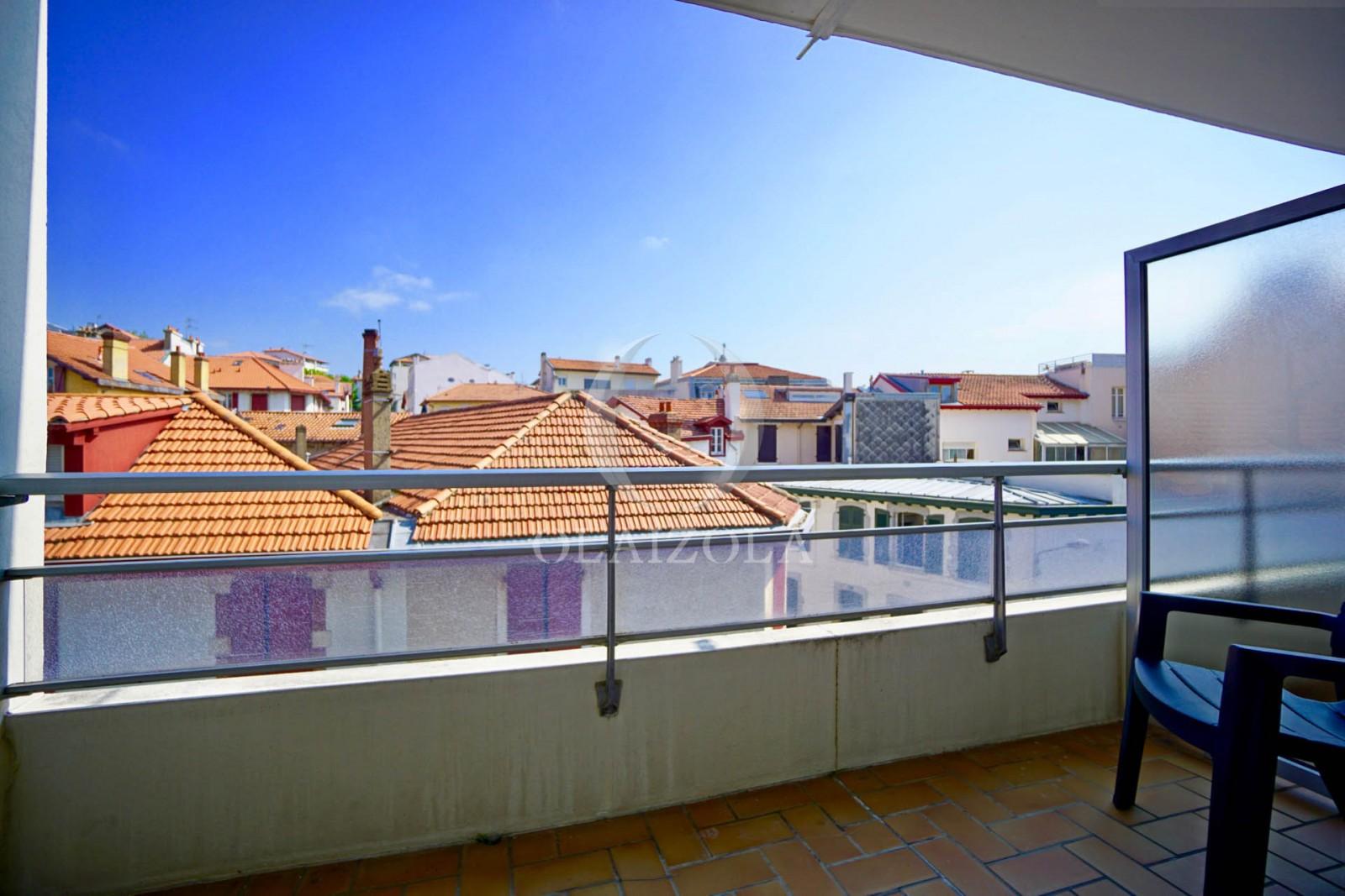Terrasse En Plein Coeur Agence Olaizola Location