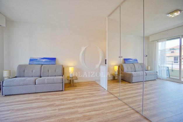 location-vacances-biarritz-studio-centre-ville-garage-parking-terrasse-plage-a-pied-bon-air-agence-olaizola-006