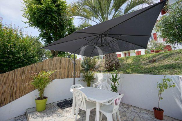 location-vacances-saint-jean-de-luz-appartement-2-chambres-terrasse-barbecue-parking-plage-acotz-lafitenia-surf-001