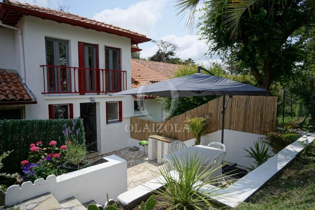 location-vacances-saint-jean-de-luz-appartement-2-chambres-terrasse-barbecue-parking-plage-acotz-lafitenia-surf-003