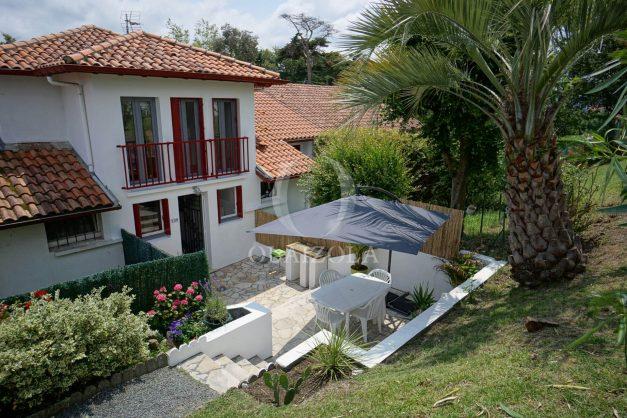 location-vacances-saint-jean-de-luz-appartement-2-chambres-terrasse-barbecue-parking-plage-acotz-lafitenia-surf-004