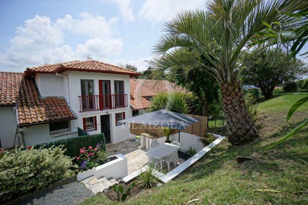 location-vacances-saint-jean-de-luz-appartement-2-chambres-terrasse-barbecue-parking-plage-acotz-lafitenia-surf-005