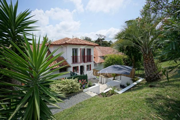 location-vacances-saint-jean-de-luz-appartement-2-chambres-terrasse-barbecue-parking-plage-acotz-lafitenia-surf-006