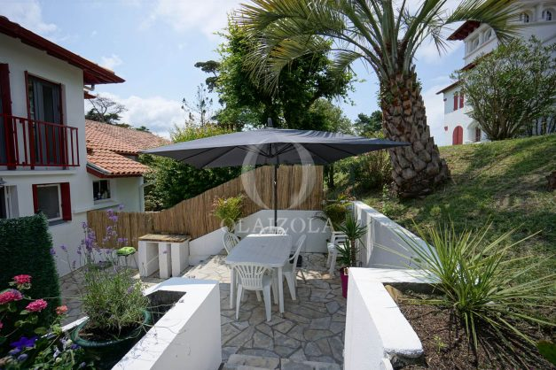 location-vacances-saint-jean-de-luz-appartement-2-chambres-terrasse-barbecue-parking-plage-acotz-lafitenia-surf-007