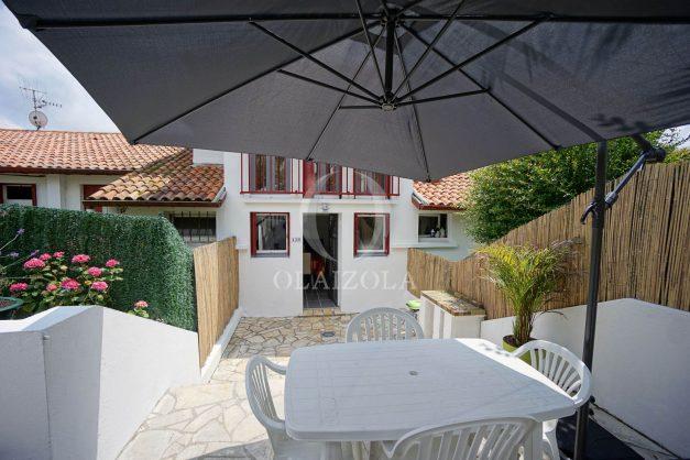 location-vacances-saint-jean-de-luz-appartement-2-chambres-terrasse-barbecue-parking-plage-acotz-lafitenia-surf-008