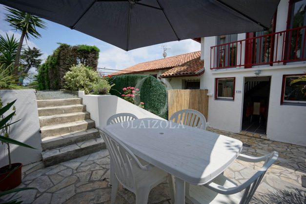 location-vacances-saint-jean-de-luz-appartement-2-chambres-terrasse-barbecue-parking-plage-acotz-lafitenia-surf-009