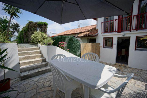 location-vacances-saint-jean-de-luz-appartement-2-chambres-terrasse-barbecue-parking-plage-acotz-lafitenia-surf-009