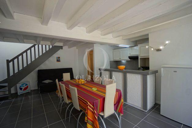 location-vacances-saint-jean-de-luz-appartement-2-chambres-terrasse-barbecue-parking-plage-acotz-lafitenia-surf-011